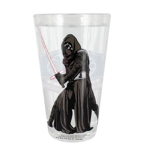 [Star Wars: The Force Awakens: Mug: Colour Change Glass: Kylo Ren (Product Image)]