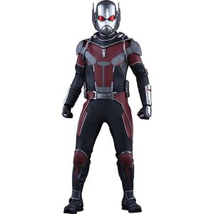 [Marvel: Captain America: Civil War: Hot Toys Deluxe Action Figure: Ant-Man (Product Image)]