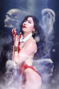 [Vampirella #13 (Lee Cosplay Virgin Variant) (Product Image)]