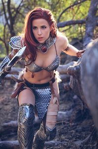 [Invincible Red Sonja #2 (Dominica Cosplay Virgin Variant) (Product Image)]
