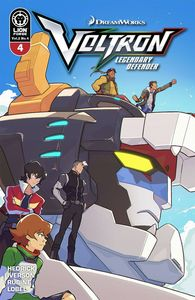 [Voltron: Legendary Defender: Volume 2 #4 (Carreon Variant) (Product Image)]