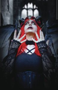 [Tarot: Witch Of The Black Rose #115 (19th Anniversary Photo Cover Edition) (Product Image)]