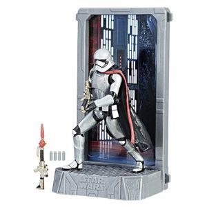 [Star Wars: The Force Awakens: Titanium Black Series Figure: Captain Phasma (Product Image)]