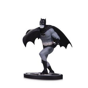 [Batman: Black & White Statue: Batman (Product Image)]