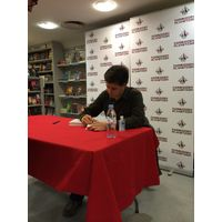 [Randall Munroe Signing What If? (Product Image)]