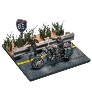 [Walking Dead: Mini Figures Building Set: Daryl Dixon With Chopper (Product Image)]