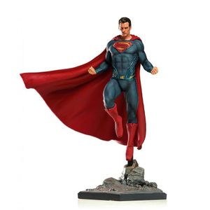 [Justice League: Statue: Superman (Product Image)]
