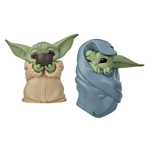 [Star Wars: The Mandalorian: The Bounty Collection Action Figure 2-Pack: The Child Sipping Soup & With Blanket 2 (Baby Yoda) (Product Image)]