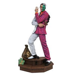 [DC: Gallery PVC Statue: Two Face (Product Image)]
