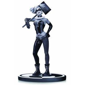 [DC: Batman: Black & White: Statue: Harley Quinn By Lee Bermejo (Product Image)]