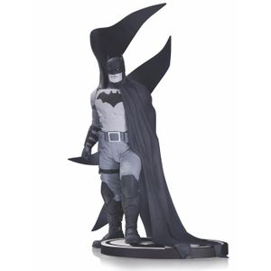 [Batman: Black & White: Statue: Batman By Rafael Albuquerque (Product Image)]