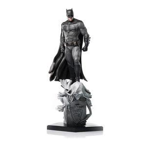 [Justice League: Statue: Batman (Product Image)]