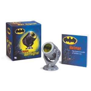 [Batman: Bat-Signal (Product Image)]