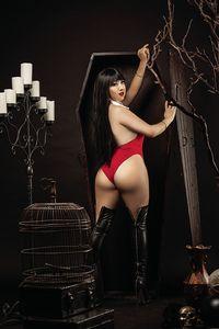[Vampirella #17 (Ramirez Cosplay Virgin Variant) (Product Image)]