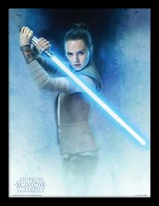[Star Wars: The Last Jedi: Framed Print: Rey Lightsaber Guard (Product Image)]