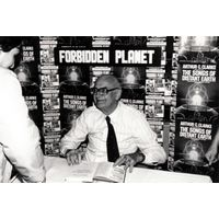 [Arthur C Clarke signing The Songs of Distant Earth (Product Image)]