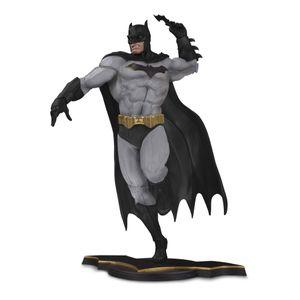 [DC: DC Core PVC Statue: Batman (Grey Variant) (Product Image)]