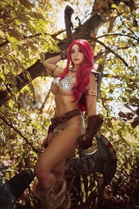[Red Sonja: The Superpowers #1 (Lyons Cosplay Virgin Variant) (Product Image)]