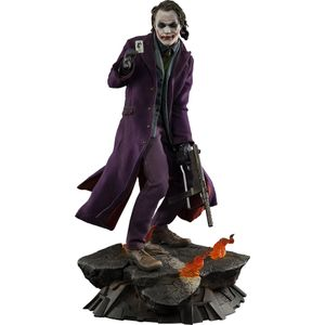 [DC: Dark Knight: Premium Format Statue: The Joker (Product Image)]