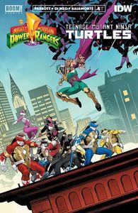 [Power Rangers/Teenage Mutant Ninja Turtles #4 (Cover A Mora) (Product Image)]