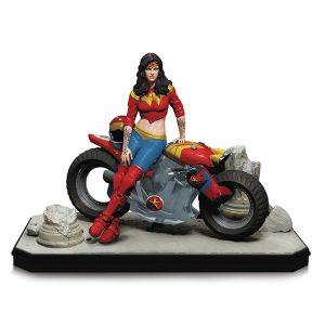 [DC: Statue: Gotham City Garage Wonder Woman (Product Image)]
