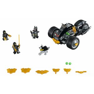 [LEGO: Super Heroes: Batman: Batman The Attack Of The Talons (Product Image)]