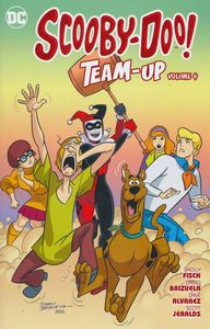 [Scooby Doo Team Up: Volume 4 (Product Image)]