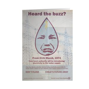 [Scarfolk: Greetings Card: Buzz (Product Image)]