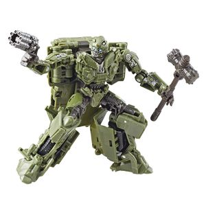 [Transformers: Studio Series Deluxe Action Figure: The Last Knight Bumblebee (Product Image)]