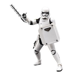 [Star Wars: The Force Awakens: ArtFX+ Statue: First Order Stormtrooper FN-2199 (Product Image)]
