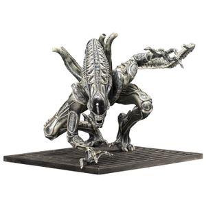 [Aliens: Kotobukiya ArtFX+ Statue: Alien Warrior (Product Image)]