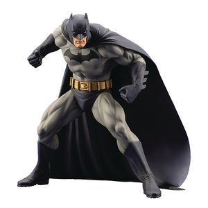 [DC Comics: ArtFX+ Statue: Batman: Hush (Product Image)]