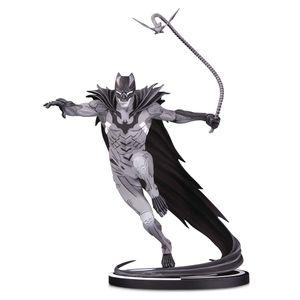 [DC: Statue: Batman Black & White By Kenneth Rocafort (Product Image)]