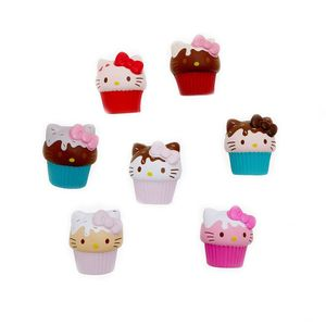 [Hello Kitty: Squishme Toy: Cupcake (Product Image)]