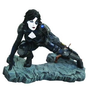 [Marvel: Premier Collection Statue: Domino Comic (Product Image)]