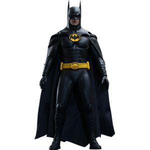 [DC: Batman Returns: Hot Toys Deluxe Action Figure: Batman (Product Image)]