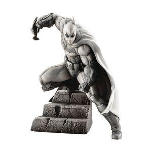[Batman: Arkham Series 10th Anniversary Limited Edition ArtFX+ Statue: Batman (Product Image)]