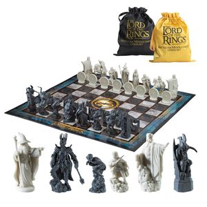 [Lord Of The Rings: Battle For Middle Earth: Chess Set (Product Image)]