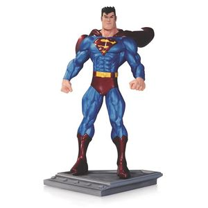 [Superman: The Man Of Steel: Statue (Product Image)]