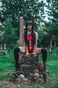 [Vengeance Of Vampirella #4 (Cosplay Virgin Variant) (Product Image)]
