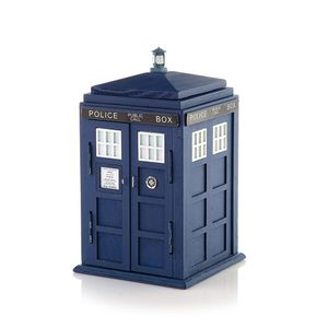 [Doctor Who: Wooden Desk Tidy: TARDIS (Product Image)]