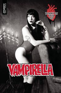 [Vampirella: Valentines Special ( One Shot Cosplay Black & White Variant) (Product Image)]