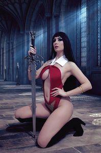 [Vengeance Of Vampirella #10 (Zawadzki Cosplay Virgin Variant) (Product Image)]