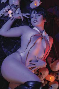 [Vengeance Of Vampirella #7 (Cosplay Virgin Variant) (Product Image)]
