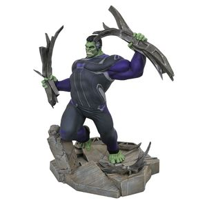 [Avengers: Endgame: Marvel Gallery Statue: Tracksuit Hulk (Product Image)]