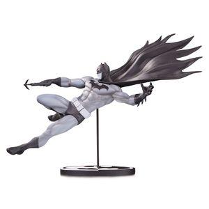 [Batman Black & White Statue By Doug Mahnke (Product Image)]