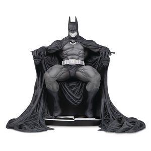 [DC: Batman: Marc Silvestri Statue: Black & White (Product Image)]