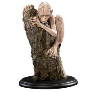 [The Lord Of The Rings: Statue: Gollum (Product Image)]
