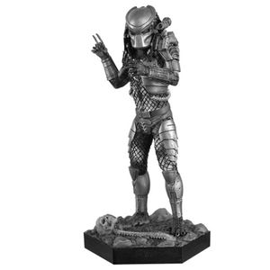 [Predator: Statue: Masked Predator (Product Image)]