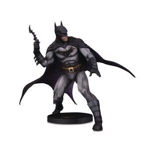 [DC: Designer Series Statue: Batman By Oliver Coipel (Product Image)]